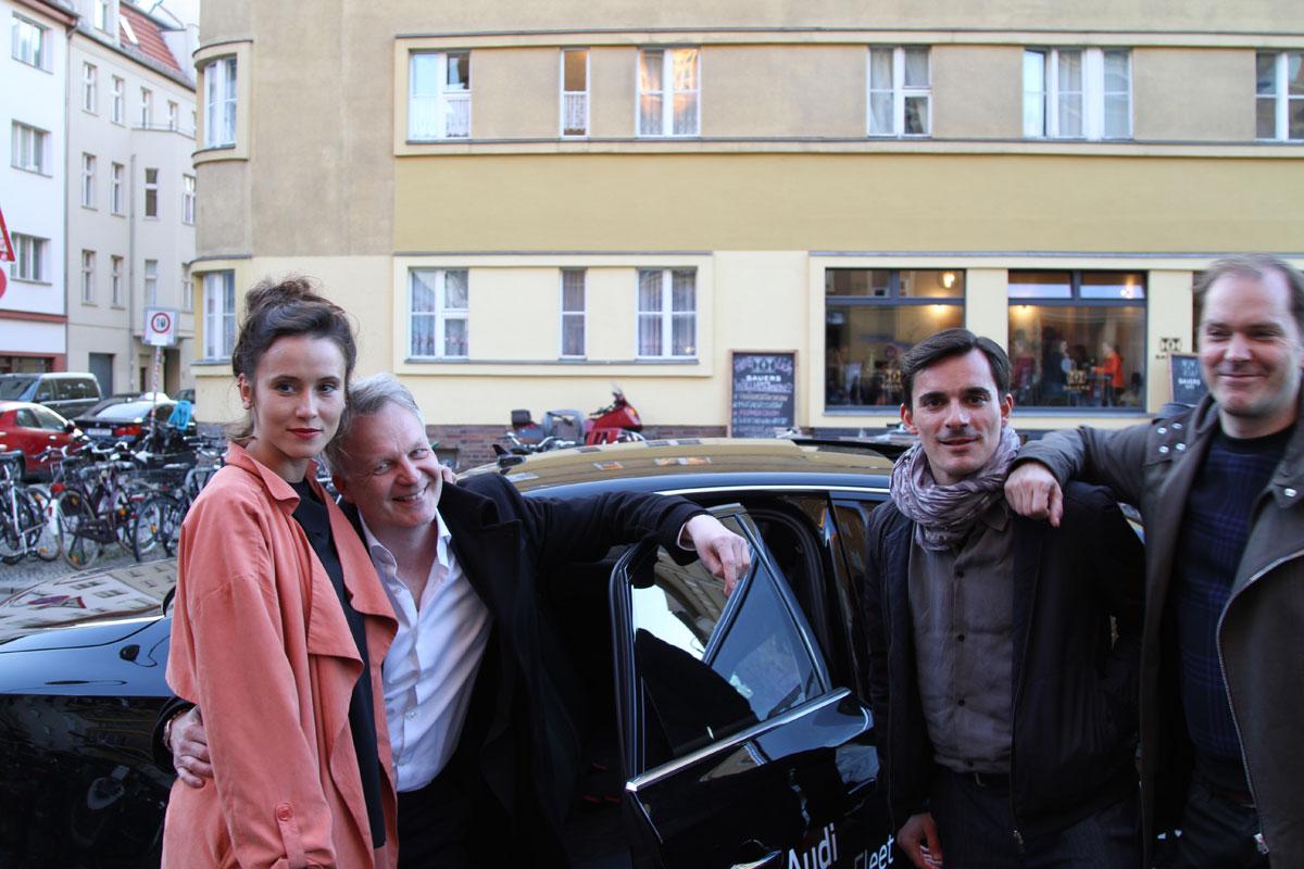 Peri Baumeister, Regisseur Nicolai Max Hahn, Hannes Wegener und Godehard Giese