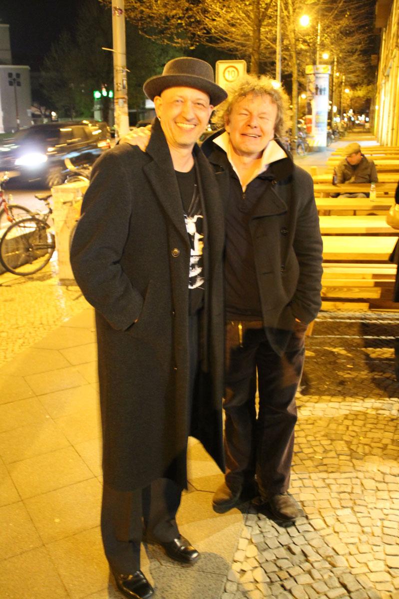 Hagen Damwerth und ich, Hagen hat die Concertina für ein Thema der Filmmusik eingespielt
