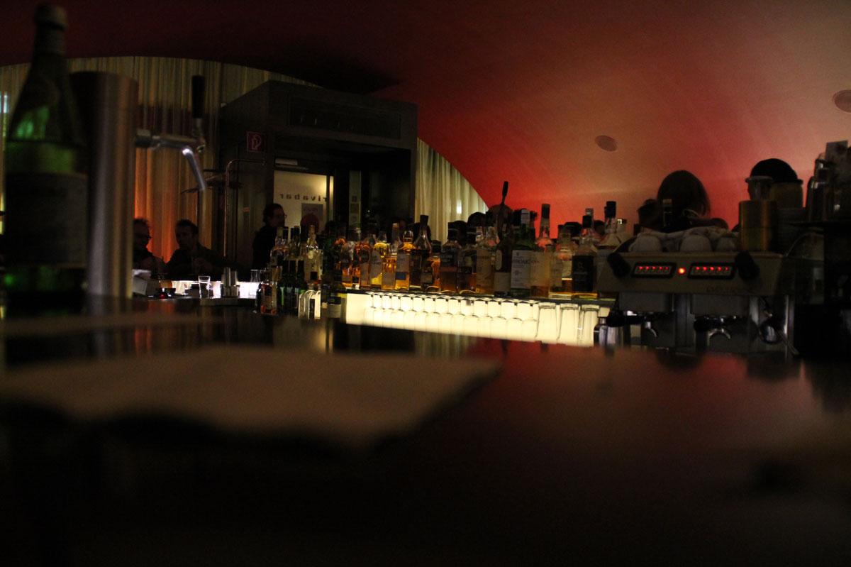 ... und ließen den Abend in der Riva Bar ausklingen